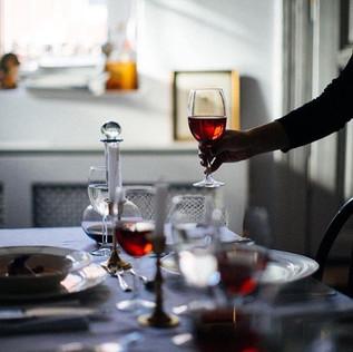 Yılbaşı yemeğe ister şirket arası ister arkadaşlarınız için düzenliyoruz. Özel geceleriniz için bütçenize uygun bir menü tasarlıyoruz.jpg