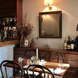 #lunch #fotinistanbul #restoran #restaurant #sağlıklıbeslenme #arnavutköy #istanbul #vintage #thonet #interiordesign #instainterior #interio