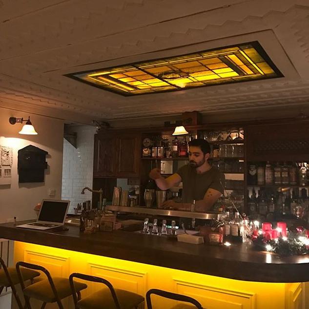 Cuma gecemize hazırlık. Good cocktails & good music.jpg
