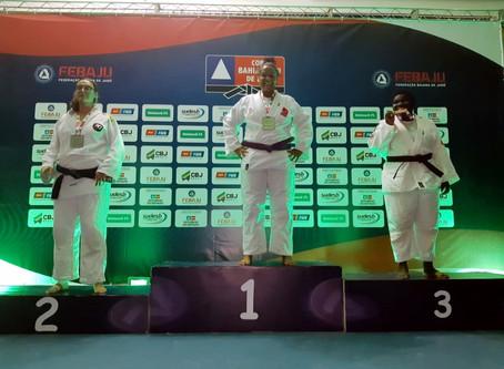 Judocas do Crescer conquistam medalha inédita entre 20 mil atletas.