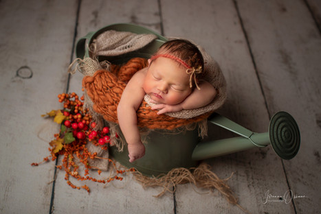 Cotswolds Newborn Photographer based in Malmesbury covering Wiltshire Gloucestershire and the Cotswolds