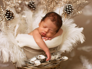 Newborn and Family Photoshoot in the Cotswolds with a Winter touch
