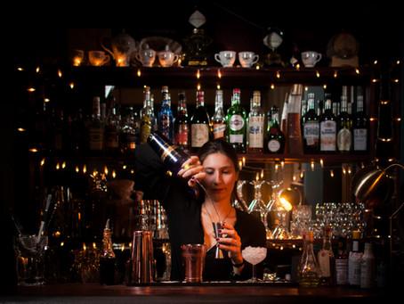 Comment créer une carte de cocktails pour son établissement.