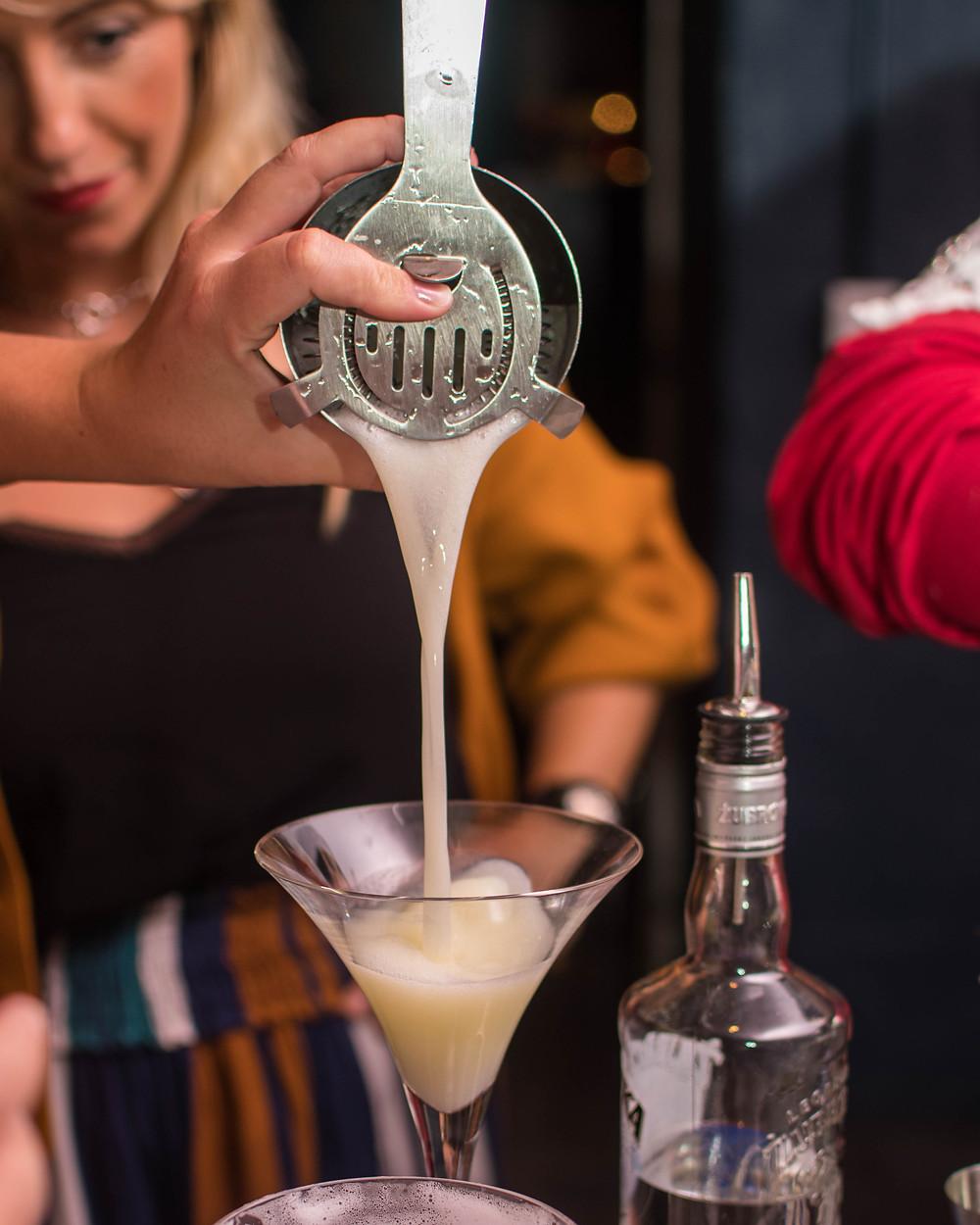 2laboration d'un whisky sour au shake n' smash
