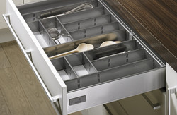 Metal Cutlery Tray With Non Slip Mat