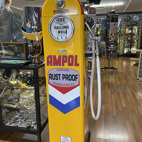Ampol repro fuel bowser