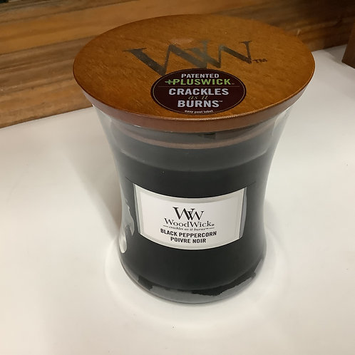 Woodwick cracking candle