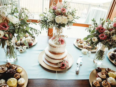 Photographer - Ashly Collins Photography  Cake - Cupcakerie, Morgantown, WV