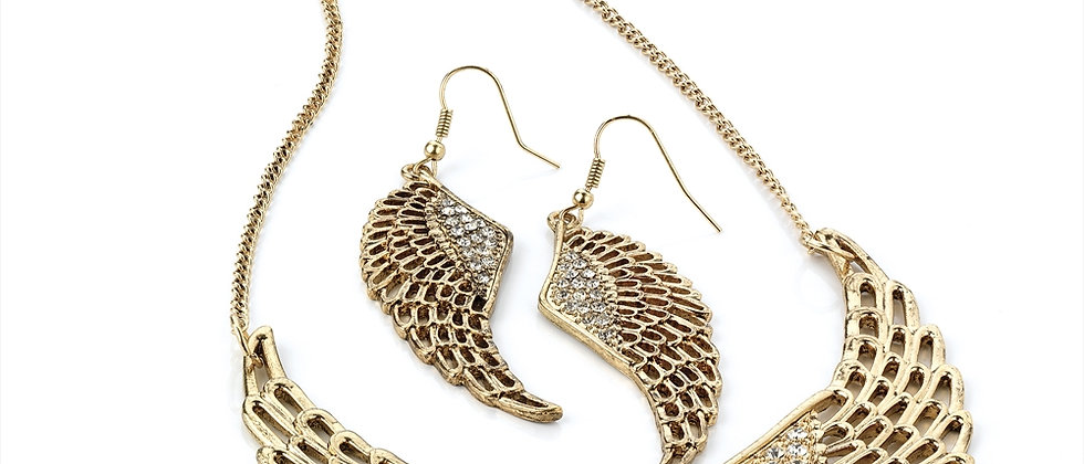 Gorgeous Angel Wings Necklace And Earring Set With Diamanté Detail