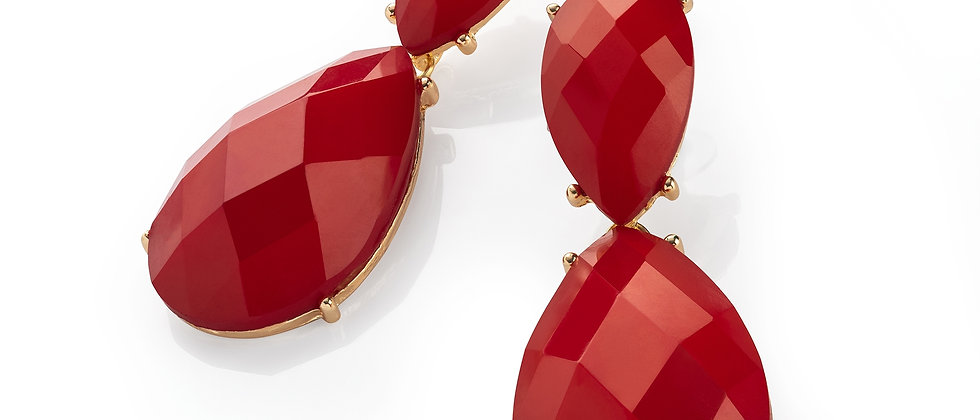 Gold colour red oval faceted design drop earring.