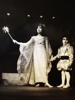 Betsy Ottenberg as Titania