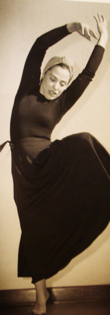 Muriel dancing a la Martha Graham