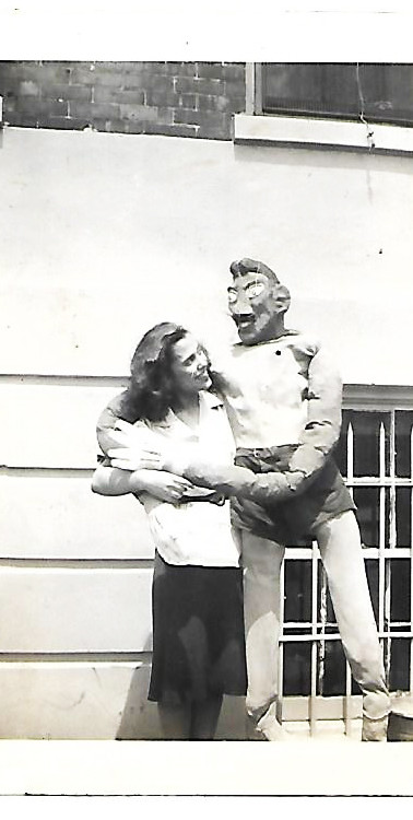 Muriel as Puppeteer