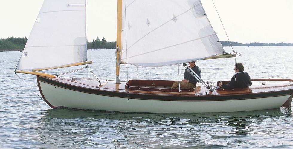"2. ""Tove""  Skärgårdsbåte/ Saaristovene/ Archipelago sailer 21`"
