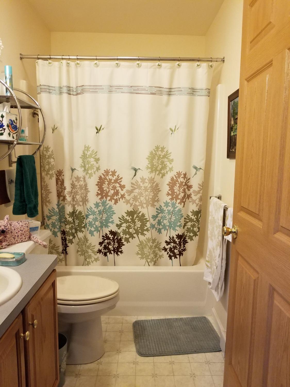 single bathroom_edited