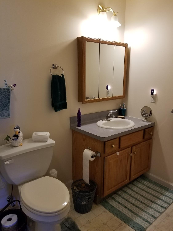 single bathroom2_edited