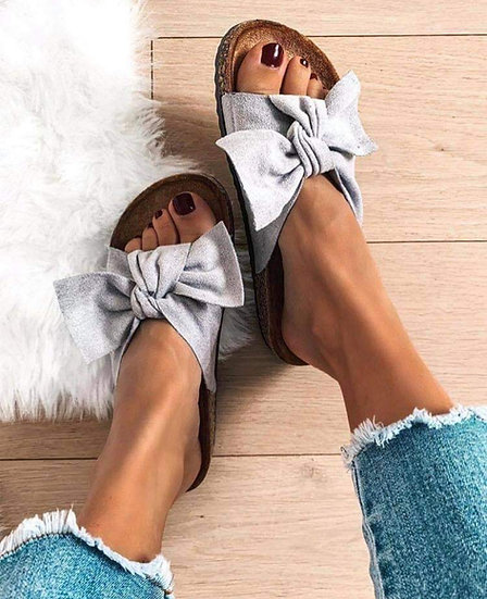Grey Bow Sliders