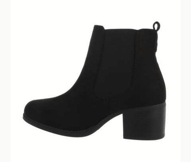 Black Faux Suede Chelsea Boots -size UK 6&7