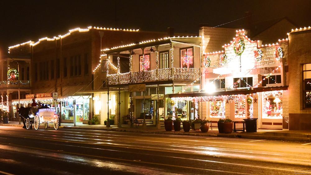 Holiday Elopement in Fredericksburg Texas