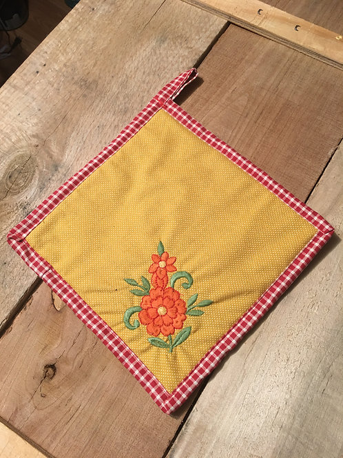 Pot Holder with Flower Embroidered
