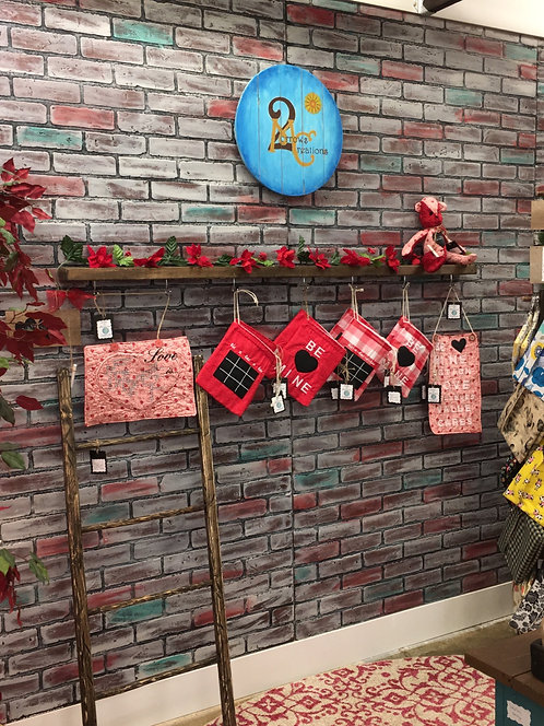 Valentine gift bags with chalk material