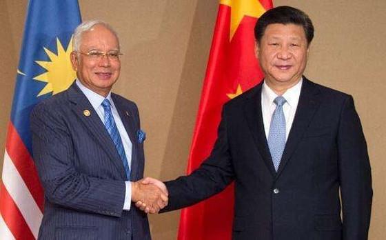 """中国斥百亿投资马来西亚, 新加坡经济""""命悬一线"""""""
