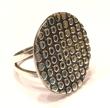 Large circle top dotted ring