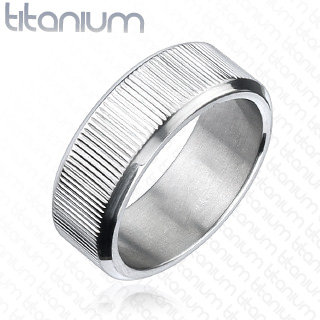 Multi grooved silver ring