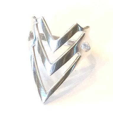 Triple V ring