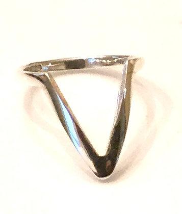 Large V silver ring
