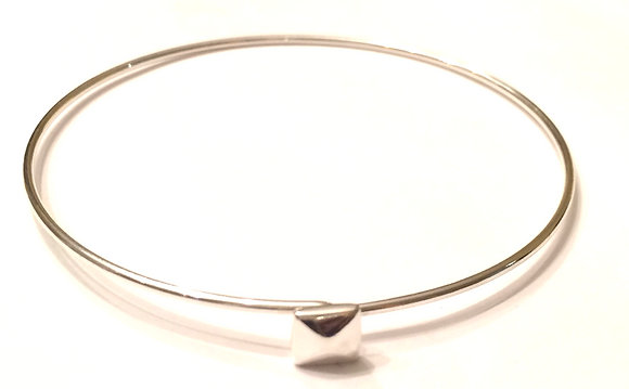 Thin square center bracelet