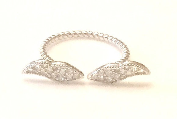 Wing studded ring