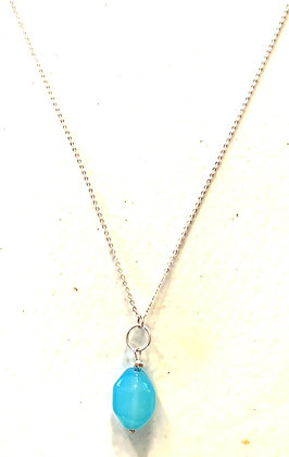 Chalcedony pendant & silver necklace