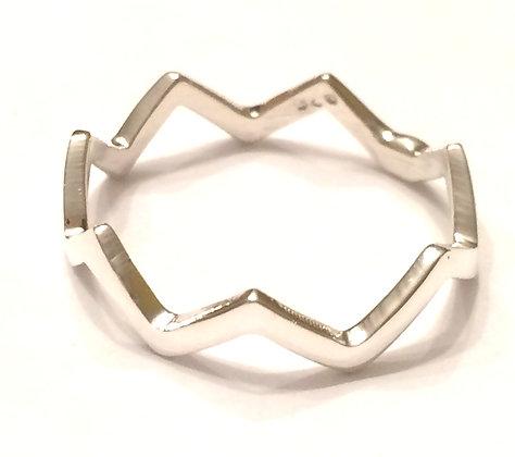 Silver wavy ring