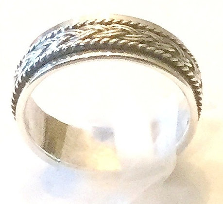 Braided center spin ring