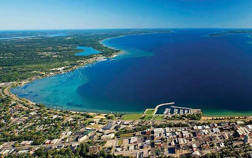 Aerial_view_of_Traverse_City_11d0db20_6a
