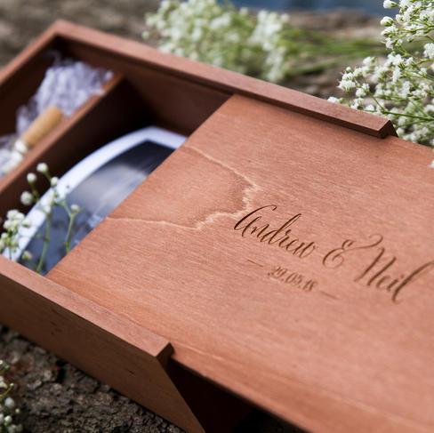 south-wales-wedding-photographer usb box open 1