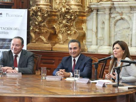 """Auditoría Puebla presenta el libro """"Cambios Institucionales para el Combate a la Corrupción. Análisi"""