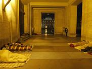 El Vaticano invita a los sin techo a pasar una tarde en las playas romanas