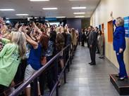 Hillary Clinton desató la selfie-manía del momento en el mundo, en un evento de campaña