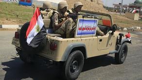 """Ejército de Egipto mata """"por error"""" a un grupo de turistas, incluyendo mexicanos"""