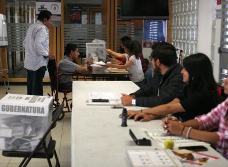 Denuncian acarreo de votantes en taxis durante elecciones de Puebla