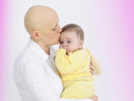 Mujeres que padecieron cáncer de mama pueden lograr ser madres