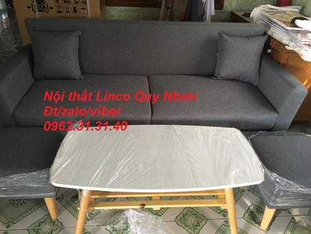 Bộ ghế sofa băng (văng) dài xám Nội thất Linco tại công can phường Bùi Thị Xuân, Quy Nhơn, Bình Định