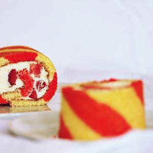 Strawberries & Cream Swiss Roll Cake