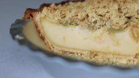Rhubarb and Custard Crumble Pie