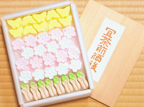 季節の詰合わせ 木箱入り(桜)