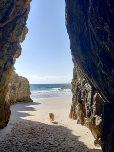 The cave at the end of Frenchmans at low tide