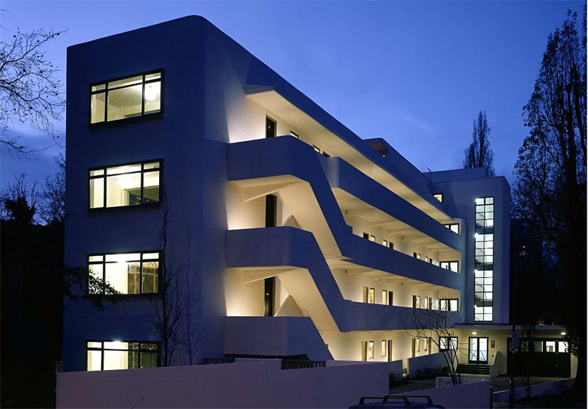 Wells Coates' ISOKON Building or the Lawn Road Flats (1933) where Bauhaus émigrés lived in the mid 1930s.