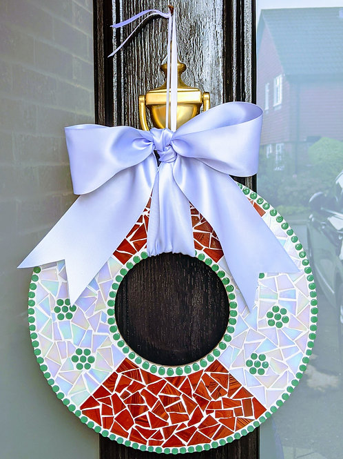 Christmas Wreath Mosaic Kit - Conker and White Iridescent